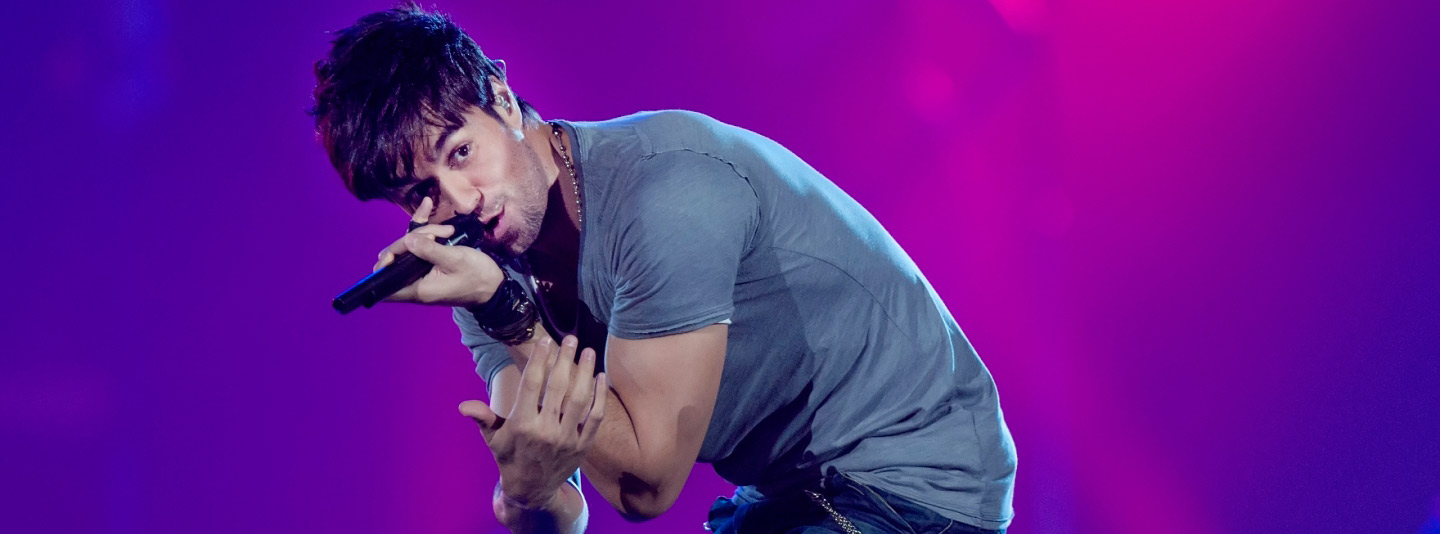 Enrique-Iglesias-in-Concert-1440x900-wide-wallpapers